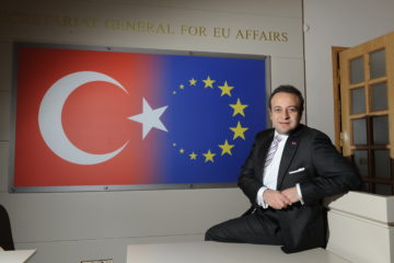 Former EU minister says Turkey should approve executive presidency to avoid civil war