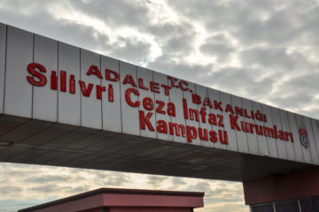 PEN delegation not allowed to show solidarity with jailed authors in front of Silivri Prison