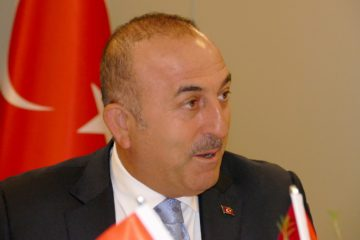 Turkish FM Çavuşoğlu cancels referendum speech in Netherlands