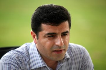 Demirtaş says Turkish gov't keeps HDP members in jail for early elections