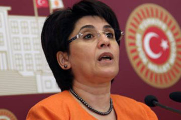 Pro-Kurdish HDP deputy Leyla Zana relaesed by Diyarbakır court
