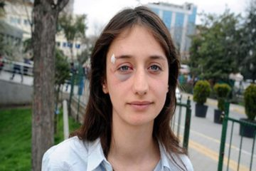 Women celebrating Int'l Women's Day attacked by mob in İstanbul