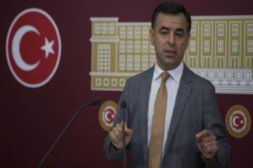 Turkey's main opposition deputy:  AKP gov't recruits 800 partisan lawyers as judges