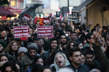 Row over controversial referendum escalates: HDP applies to YSK for cancellation, CHP says may withdraw from Parliament