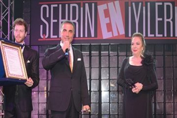 Turkish gang leader Peker given 'most benevolent businessman' award by Milliyet daily