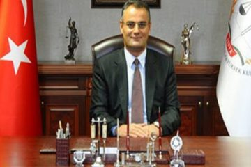 Turkish PM's chief advisor Erdem referred to court for arrest
