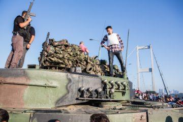 MİT head had unusual meeting with army chief, Gen. Aksakallı on July 14, says suspected putschist
