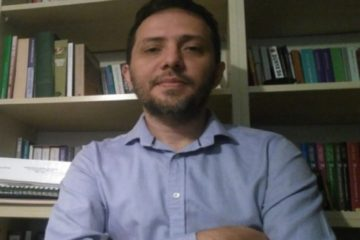 Dismissed Turkish academic returns to his university as a student