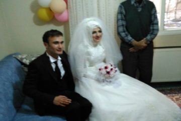 A couple detained by Turkish police on their way to wedding ceremony over alleged Gülen links