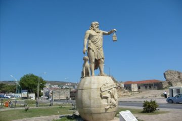 Turkish political Islamists demand removal of statue of Greek philosopher Diogenes in Sinop