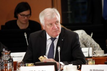 CSU leader Seehofer demands EU cut financial aid to Turkey