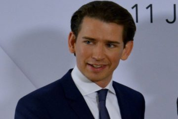 Austrian FM Kurz says Turkey's Erdoğan acts like a dictator