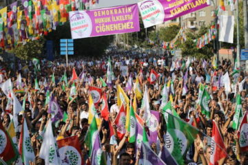 Thousands gather in Diyarbakır for pro-Kurdish HDP's 'Conscience, Justice and Democracy' meeting