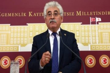 Turkey's main opposition CHP deputy asks minister to resign over 'Gülen propaganda' in textbooks