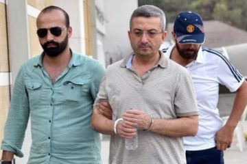 Turkish court releases coup suspect general on probation