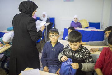 İstanbul Governor's Office: Refer Syrian students to religious schools