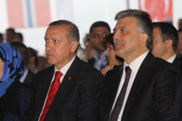Turkey's Erdoğan rebukes former President Gül for decree remarks