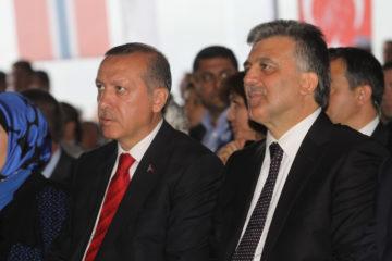 Turkey's Erdoğan rebukes former President Gül for decree remarks