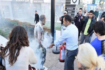 Construction worker self-immolates in front of Turkish Parliament over economic hardship