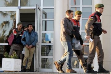 Five children, 8 others detained by Turkish gendarmerie while on way to escape to Greece